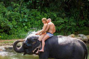 khaolak-elephant-bathing-half-day